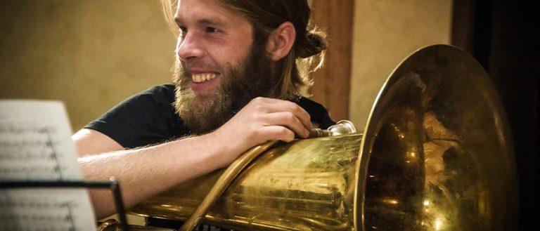 Die Tuba groovt